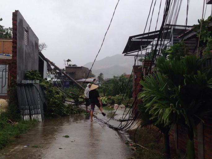 Bão số 12 tan, Khánh Hòa tan hoang, ít nhất 11 người chết - Ảnh 15.