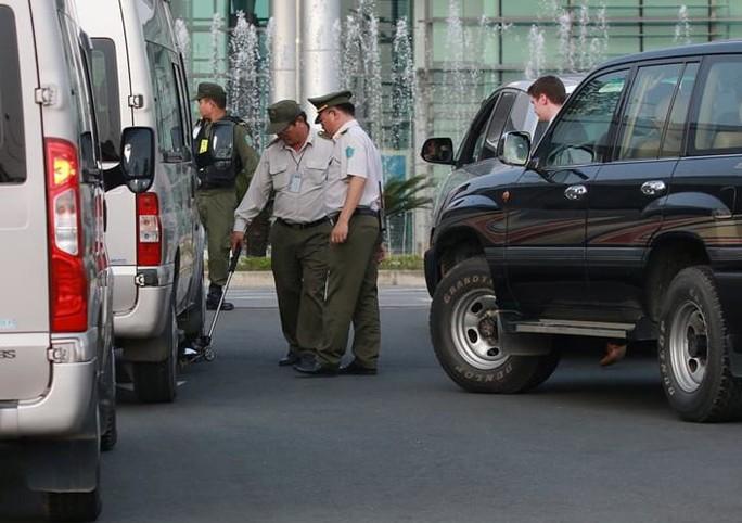 An ninh Việt Nam, Mỹ tất bật trước giờ Không lực Một chở ông  Donald Trump hạ cánh - Ảnh 12.