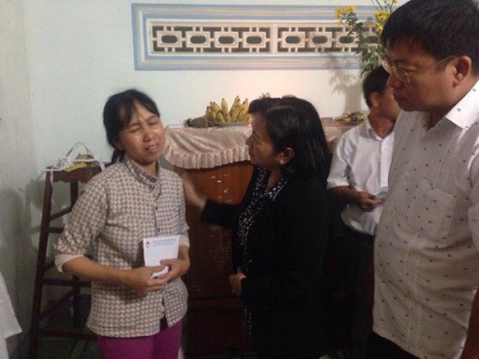 TP Hồ Chí Minh hỗ trợ người dân Khánh Hòa 2 tỷ đồng - Ảnh 2.
