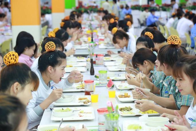 Nữ công nhân làm việc, ăn ở ra sao tại Samsung Việt Nam? - Ảnh 13.