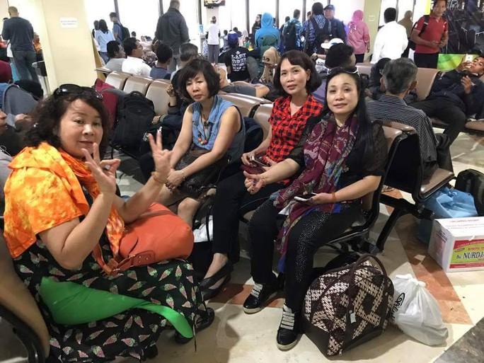 7 du khách Việt đã tới Jakarta an toàn - Ảnh 1.