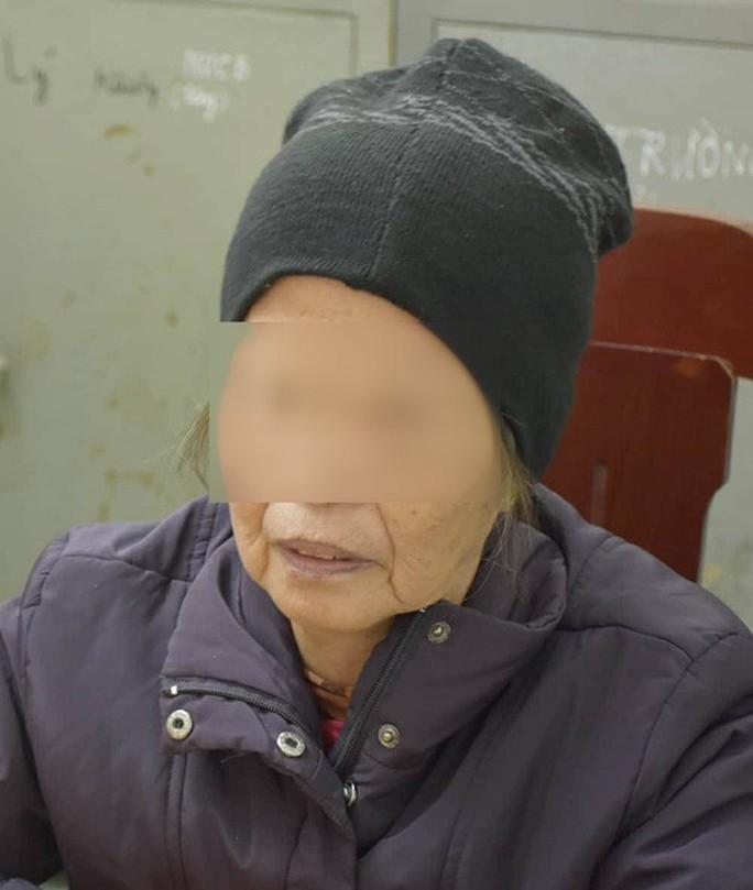 Vụ bé 20 ngày tuổi bị sát hại: Công an làm việc với 1 người chữa mẹo - Ảnh 1.