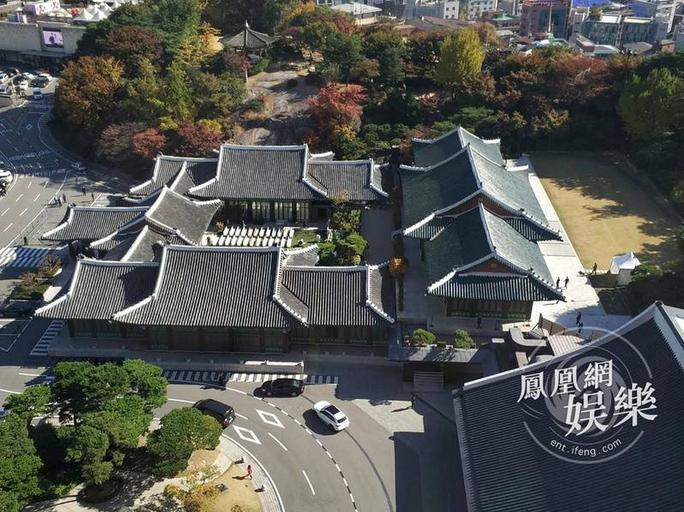 Mỹ nhân Song Hye Kyo theo Song Joong Ki về dinh - Ảnh 19.