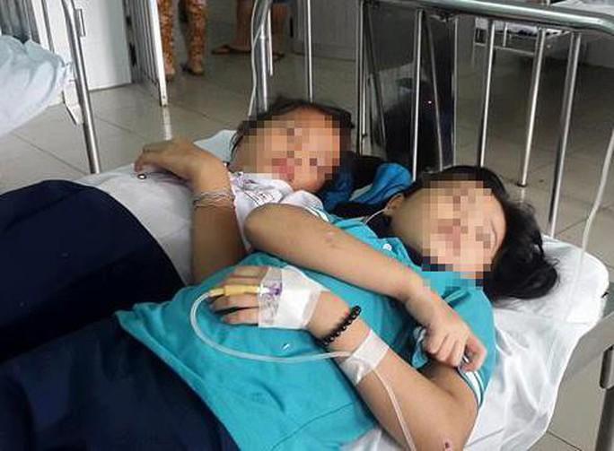 Đồng Nai: 16 học sinh nhập viện cấp cứu - Ảnh 1.