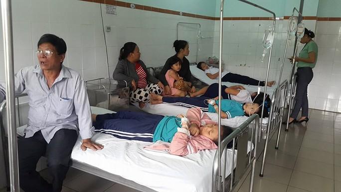 Đồng Nai: 16 học sinh nhập viện cấp cứu - Ảnh 2.