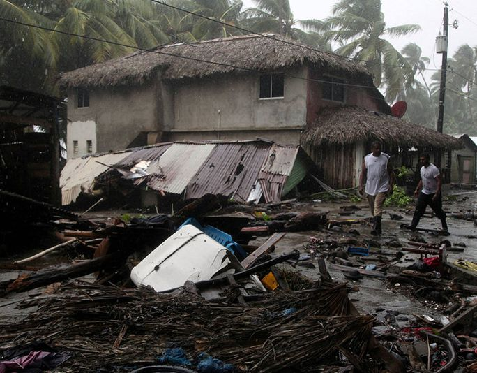 Năm cựu tổng thống Mỹ quyên góp giúp nạn nhân bão Harvey - Ảnh 3.