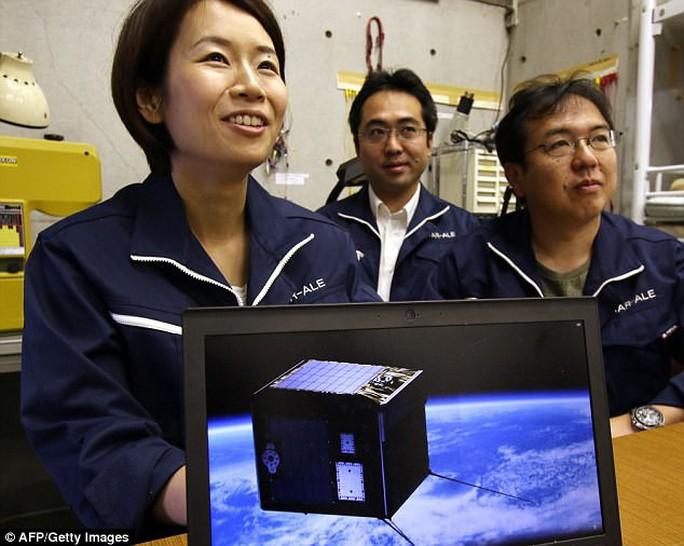 Nhật Bản chế tạo ra... mưa sao băng - Ảnh 2.
