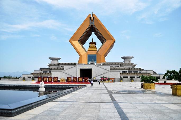 Bí ẩn bảo vật ngàn năm trong ngôi chùa lớn nhất Trung Quốc - Ảnh 1.