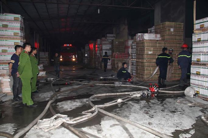 Bà hỏa ghé thăm ngày cần Tết khiến công ty sản xuất thiết bị gạch men bị thiệt hại nặng