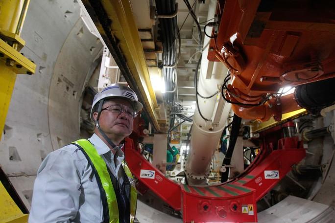 Cận cảnh robot khủng khoan hầm metro số 1 - Ảnh 6.