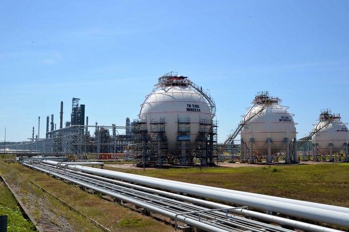 Ngắm bên trong công trường bảo dưỡng Nhà máy lọc dầu hàng tỉ USD - Ảnh 2.