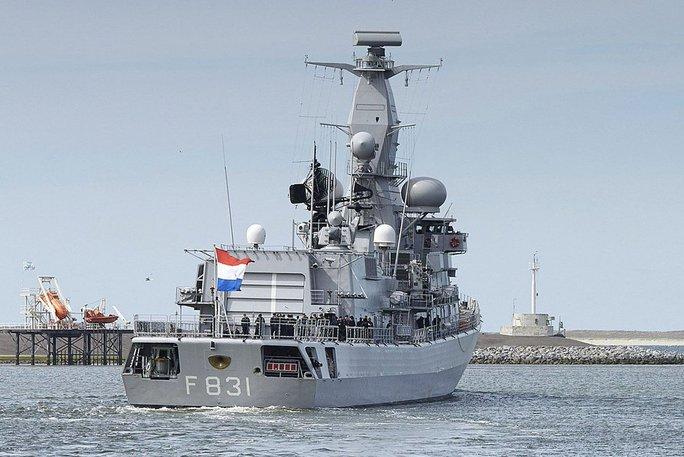 Anh, Hà Lan và Đan Mạch theo sát tàu Trung Quốc  - Ảnh 1.