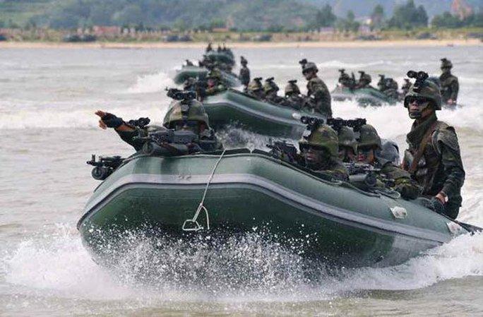 Cận cảnh Triều Tiên tập trận tấn công đảo Hàn Quốc - Ảnh 2.