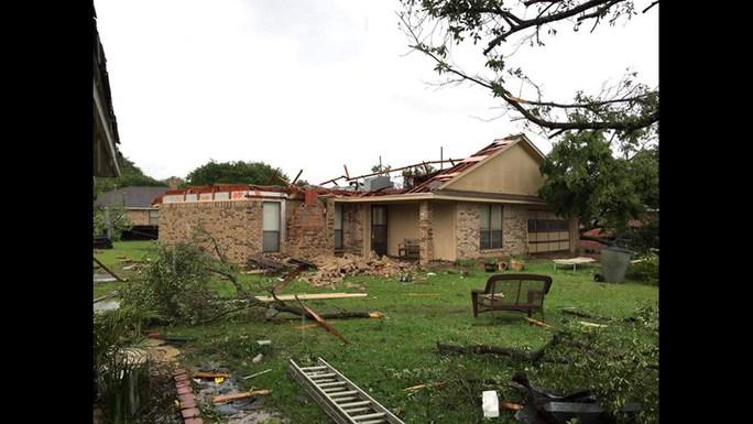 Tấm ảnh ám ảnh của nạn nhân thiệt mạng trong bão Harvey - Ảnh 7.