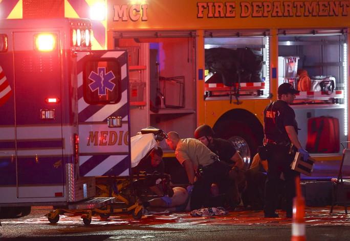 Tổng thống Donald Trump lên tiếng vụ xả súng ở Las Vegas - Ảnh 1.