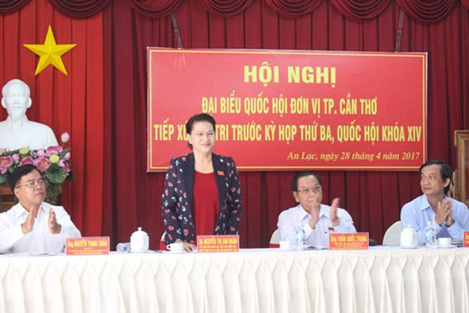 Chủ tịch Quốc hội Nguyễn Thị Kim Ngân tại buổi tiếp xúc cử tri sáng 28-4 Ảnh: CA LINH