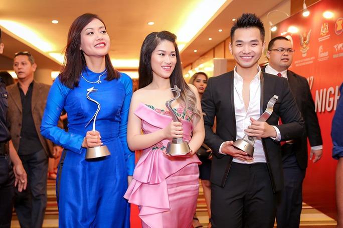 Phim của Hồng Ánh thắng lớn tại LHP ASEAN - Ảnh 4.