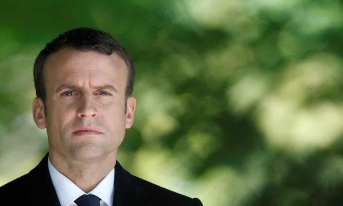 Cựu nữ sĩ đấu bò vào đội của ông Macron - Ảnh 1.