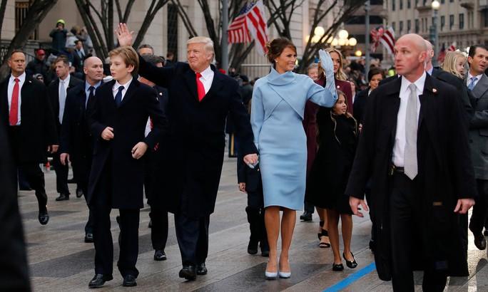 Mật vụ Mỹ hết tiền để bảo vệ gia đình tổng thống - Ảnh 1.