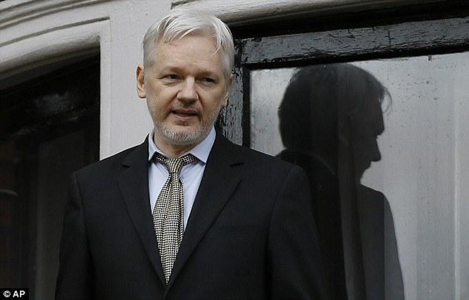 Ông Julian Assange. Ảnh: AP