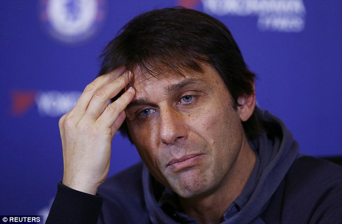 HLV Conte đang tính toán phương án tìm người thay Costa