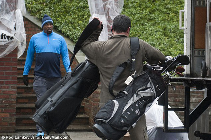 Hai bộ đồ chơi golf của Tổng thống Obama. Đây là môn thể thao ưa thích của ông. Ảnh: DAILY MAIL