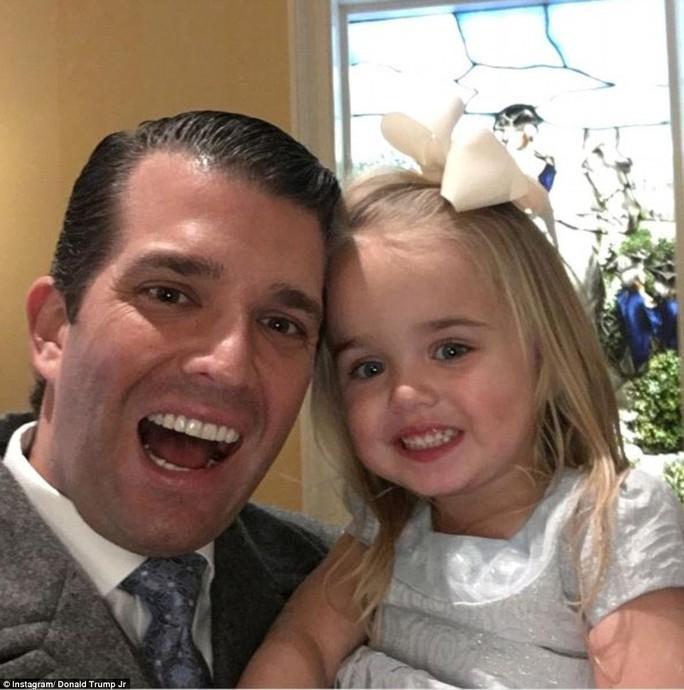 Donald Trump Jr selfie cùng con gái Chloe sau buổi lễ. Ảnh: Instagram