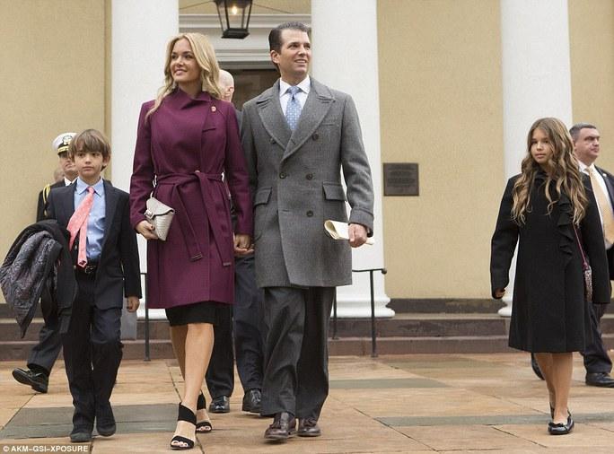 Donald Trump Jr và vợ Vanessa cùng con trai Don III và con gái Kai Madison. Ảnh: AKM