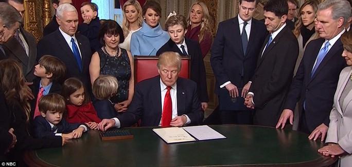 Cháu của ông Trump từ trái qua: Kai, Spencer, Don III, Arabella và Tristan. Ảnh: NBC