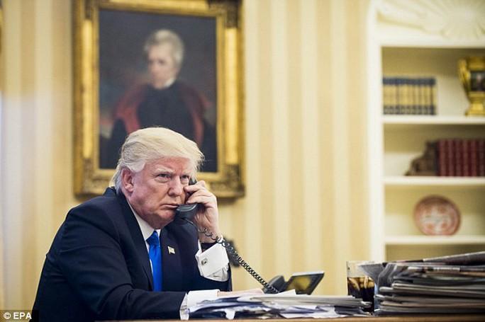 Ông Donald Trump điện đàm liên tiếp với lãnh đạo Nhật, Trung - Ảnh 1.