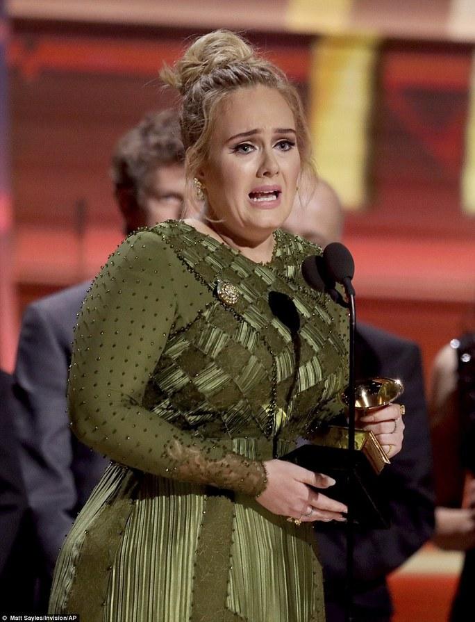 Cô ca ngợi Beyonce và nhận định album của Beyonce xứng đáng chiến thắng hơn