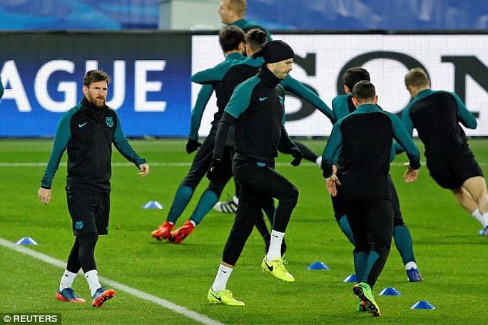 """Enrique """"ngán"""" kinh nghiệm đối đầu Barca của Emery"""