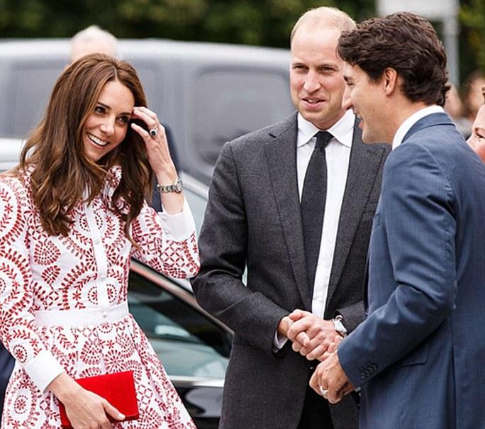 Công nương Kate trong cuộc gặp gỡ với lãnh đạo Canada điển trai. Ảnh: Daily Mail