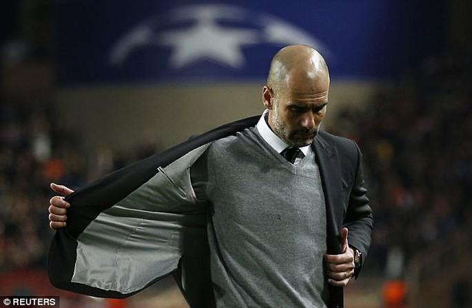 Guardiola: Tôi đáng bị sa thải mùa này - Ảnh 1.