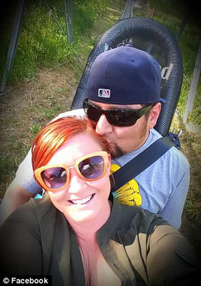 Đôi vợ chồng sắp cưới Michael Hohl và Amber Maxwell. Ảnh: Facebook