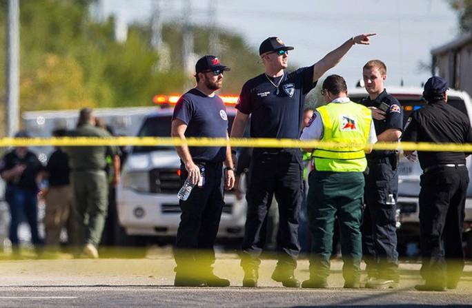 Vụ thảm sát Texas: Dân thường ra tay ngăn chặn nghi phạm - Ảnh 4.