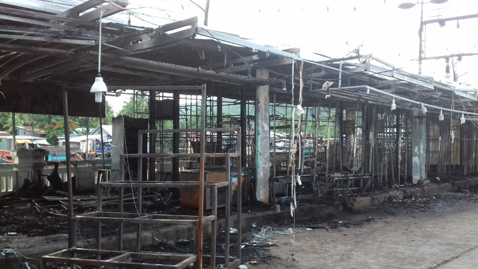 CLIP: Cảnh hoang tàn sau vụ cháy kinh hoàng ở chợ đêm Phú Quốc - Ảnh 7.