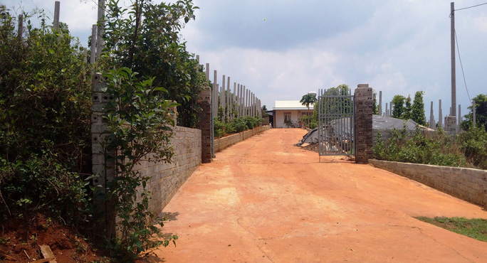 Căn nhà và khu trang trại của ông Nguyễn Đức xây dựng trên đất lâm nghiệp