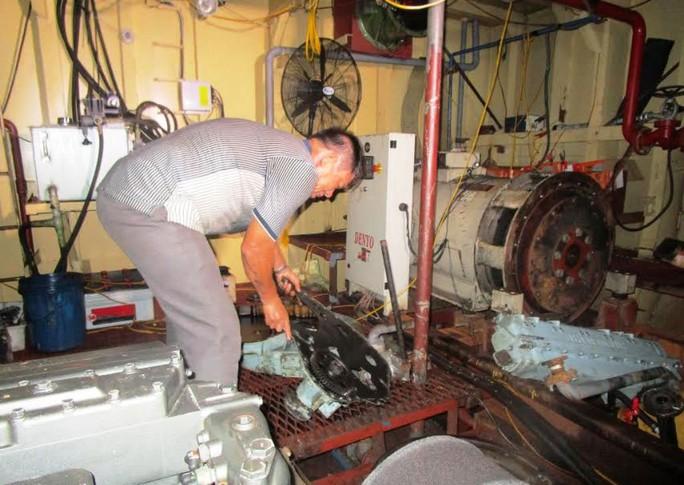 Tàu vỏ thép ở Thanh Hóa, Quảng Nam cũng hỏng - Ảnh 1.