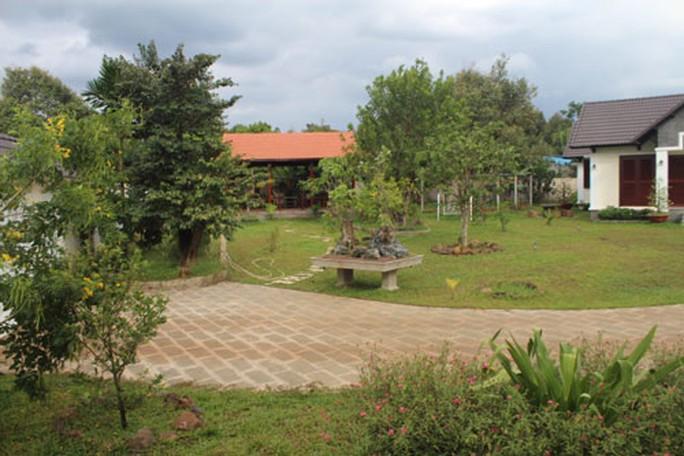 Khu biệt thự 2.000 m2 của ông Nguyễn Văn Đấu, Phó Ban Tổ chức Tỉnh ủy Đồng Nai Ảnh: XUÂN HOÀNG
