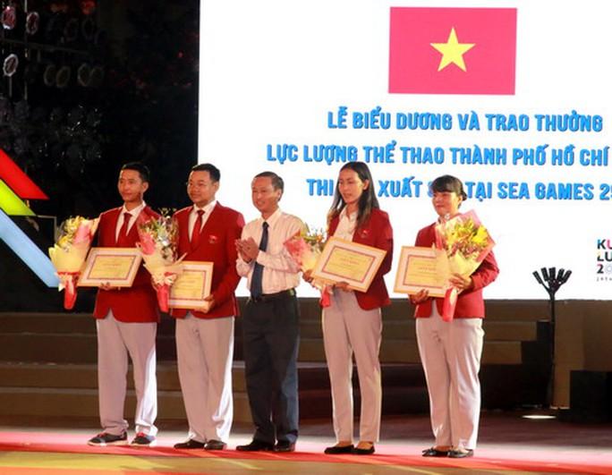 TP HCM khen thưởng hơn 2,2 tỉ cho HLV-VĐV SEA Games 2017 - Ảnh 9.