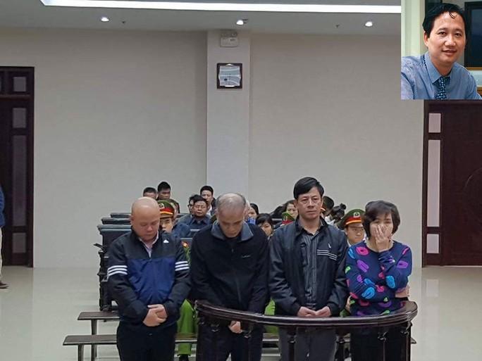 Các bị cáo trong vụ án lừa đảo tại dự án Thanh Hà - Cienco 5 Land và Trịnh Xuân Thanh (ảnh nhỏ)