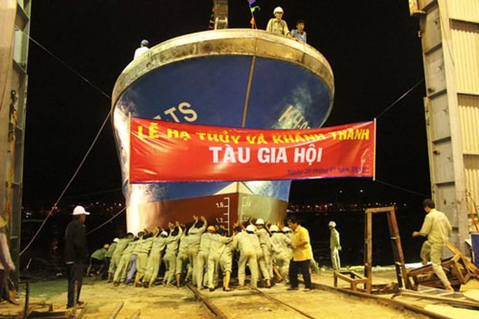 Thu lợi từ tàu cá vỏ composite - Ảnh 1.