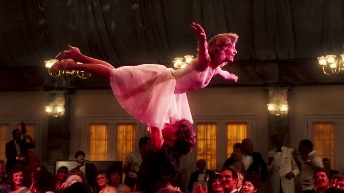 Tập nhảy cho đám cưới, cặp đôi hạ cánh tại bệnh viện - Ảnh 5.