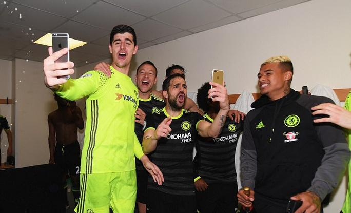 Chùm ảnh: Chelsea bay cao cùng chức vô địch - Ảnh 12.