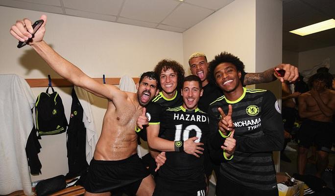 Chùm ảnh: Chelsea bay cao cùng chức vô địch - Ảnh 11.