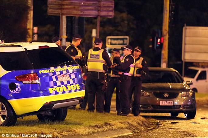 Khủng bố chết người tại Melbourne, IS nhận trách nhiệm - Ảnh 2.