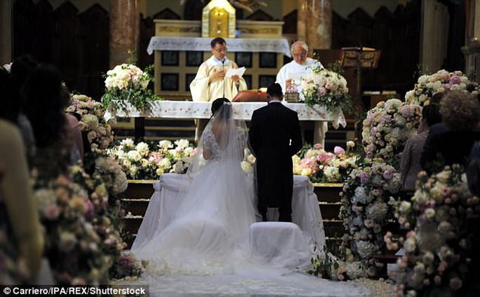 Vắng sao M.U trong lễ cưới của Darmian - Ảnh 1.