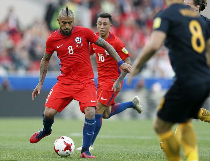 Vidal khiêu khích Ronaldo trước đại chiến Chile - Bồ Đào Nha - Ảnh 1.