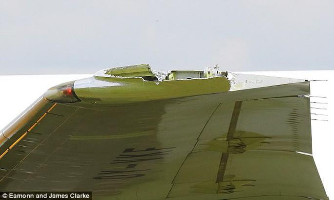 Máy bay Anh vỡ cánh trên đường tới Cuba - Ảnh 2.